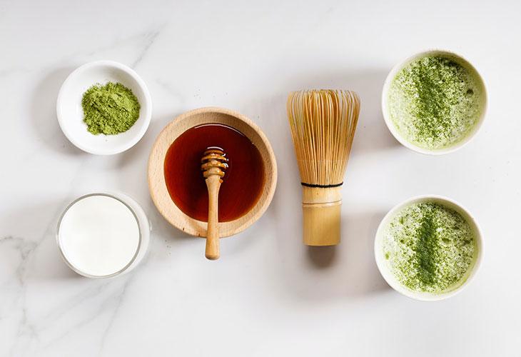 Mặt nạ trà xanh trị mụn và thâm khi kết hợp với chanh, mật ong cho hiệu quả điều trị tối ưu
