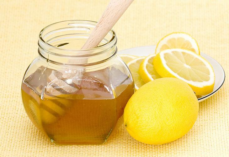Mặt nạ trị mụn thâm trắng da trà xanh và mật ong