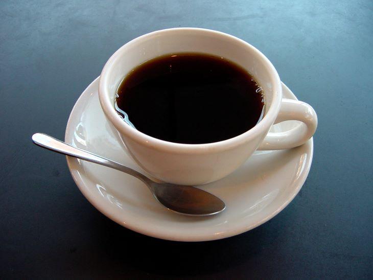 Hãy gạch tên cafein khỏi thực đơn để có làn da khỏe đẹp