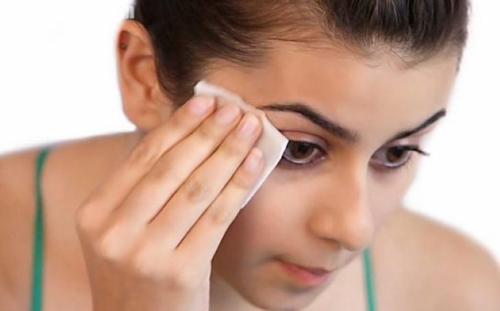 Luôn vệ sinh da sạch sẽ để tránh các vấn đề về da liễu