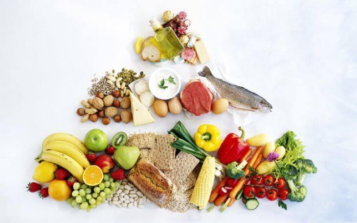 Nên ăn uống lành mạnh để cơ thể khỏe từ bên trong, phòng tránh các bệnh gây ngứa da đầu