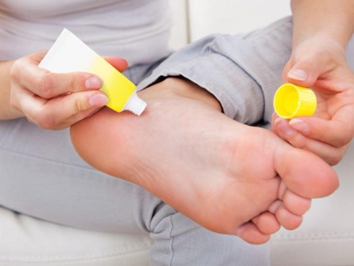 Sử dụng các loại thuốc bôi để giảm ngứa và chữa các bệnh da liễu