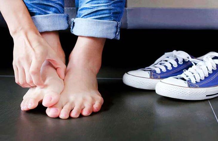 Nhiều trường hợp bị ngứa mu bàn chân, bàn tay do gặp vấn đề về gan