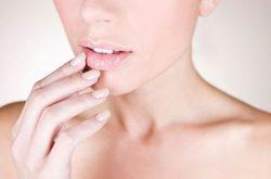 Ngứa da quanh miệng là hiện tượng khá phổ biến