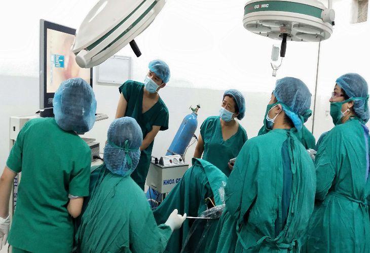 Lạc nội mạc tử cung có nên mổ không, sử dụng phương pháp nào? - Phẫu thuật nội soi