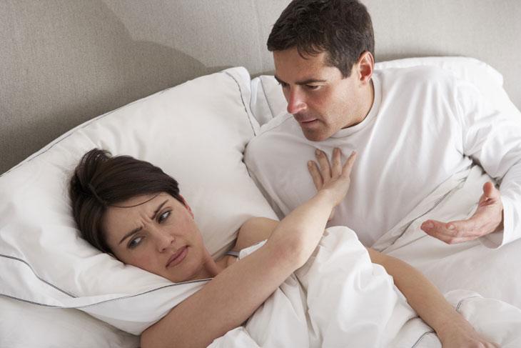 """Khi mãn kinh, phụ nữ thường gặp khó khăn trong """"chuyện ấy"""""""