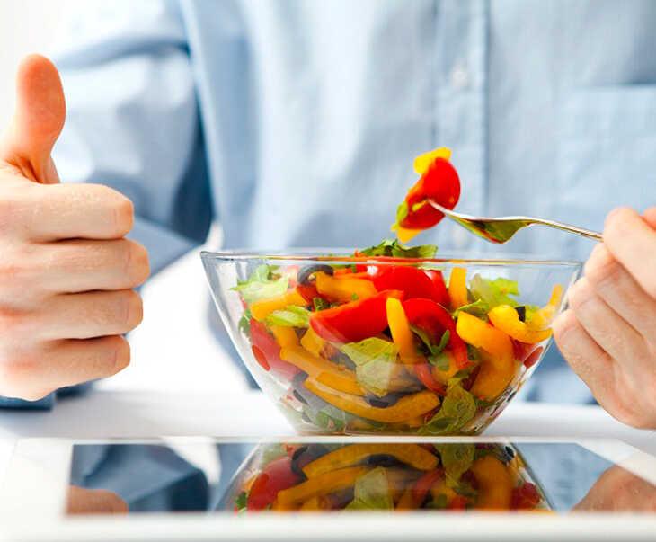 Ăn nhiều rau xanh giúp tăng cường sức khỏe và sức đề kháng