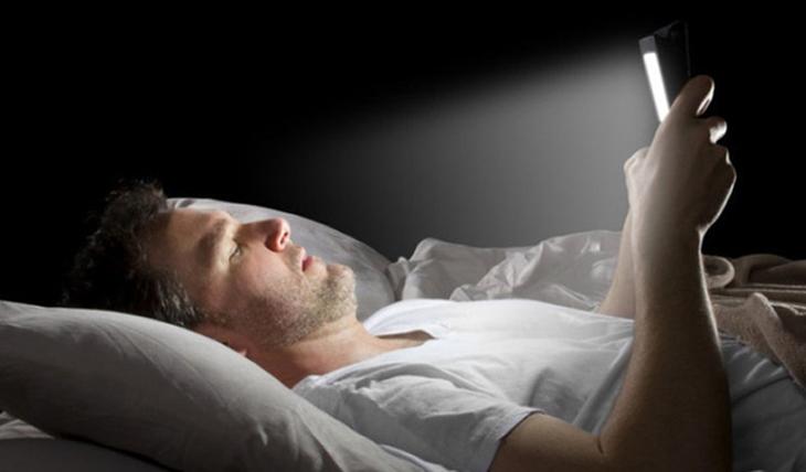Thói quen sinh hoạt không tốt là nguyên nhân chủ yếu gây rối loạn cương dương tạm thời