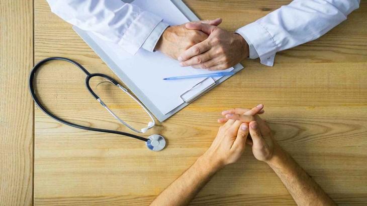 Bác sĩ sẽ thăm hỏi và làm một số xét nghiệm để xác định chính xác nguyên nhân gây bệnh