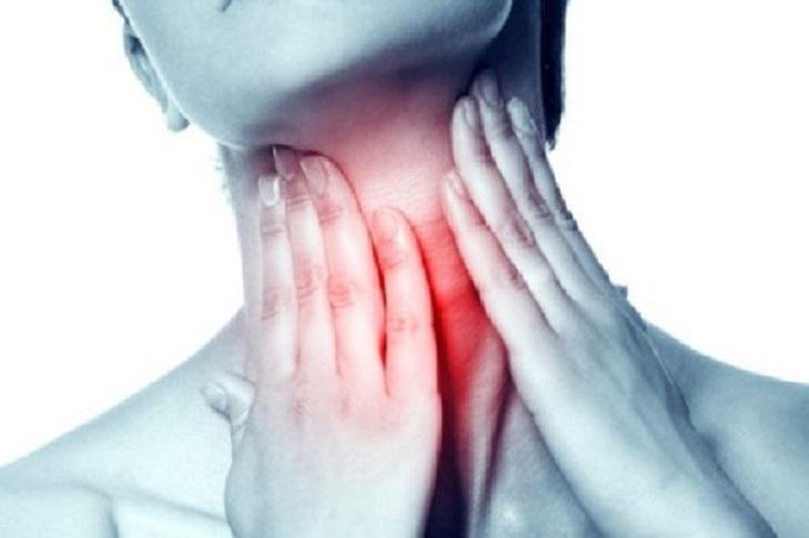 Đa số bệnh nhân viêm họng đều gặp phải tình trạng đau rát vùng họng