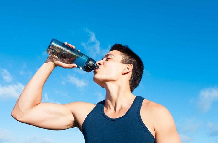 Khi tập gym cần đảm bảo cung cấp đủ nước cho cơ thể
