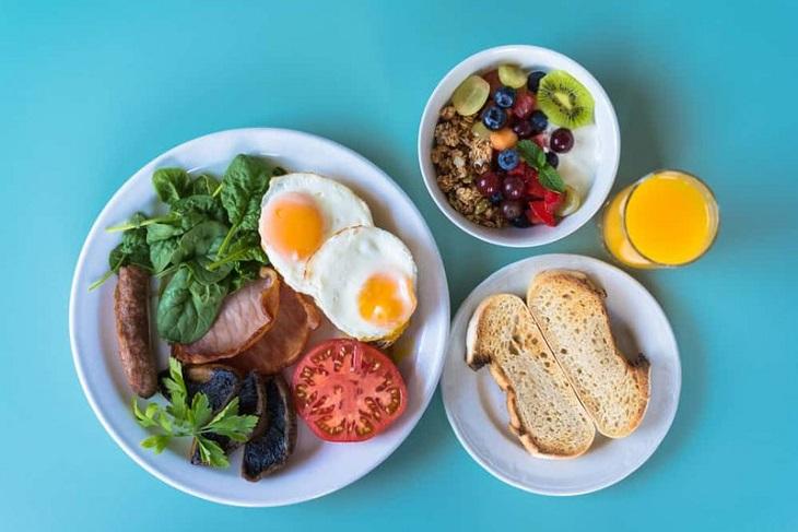 Ăn đa dạng thực phẩm giúp cung cấp nhiều vitamin và khoáng chất cho cơ thể