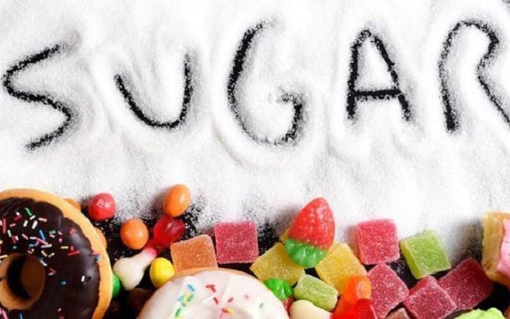 Thực phẩm nhiều đường thuộc danh sách viêm mũi dị ứng nên kiêng ăn gì