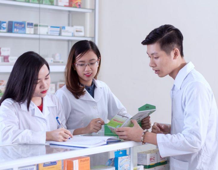 Người bệnh nên đến các hiệu thuốc lớn để đảm bảo mua được Detoxic chính hãng