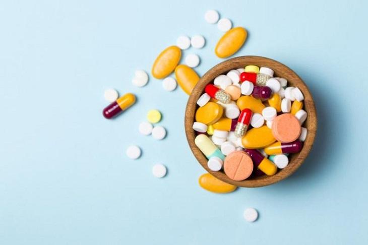 Bé bị chàm cơ địa có thể được chỉ định dùng thuốc chống dị ứng