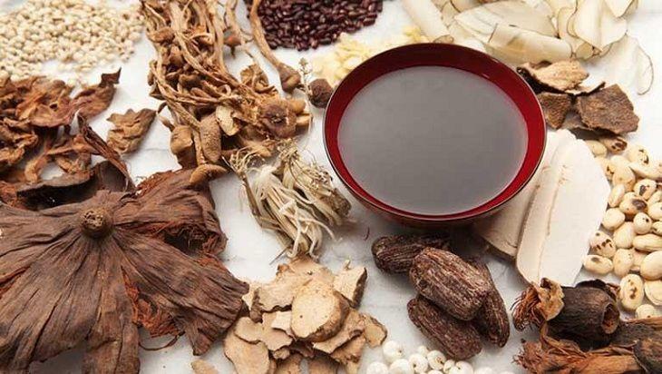 Thuốc Đông y giúp dưỡng các tạng thận, cải thiện tình trạng huyết trắng do viêm nhiễm phụ khoa