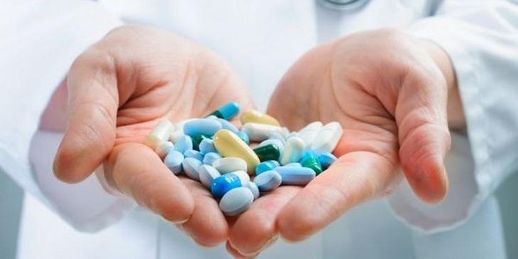 Người bệnh sử dụng thuốc trị bệnh viêm xoang cần tuân theo chỉ định của bác sĩ