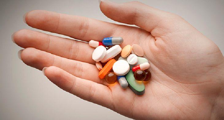 Kháng sinh giúp giảm nhanh triệu chứng bệnh nhưng có thể gây ra nhiều tác dụng phụ