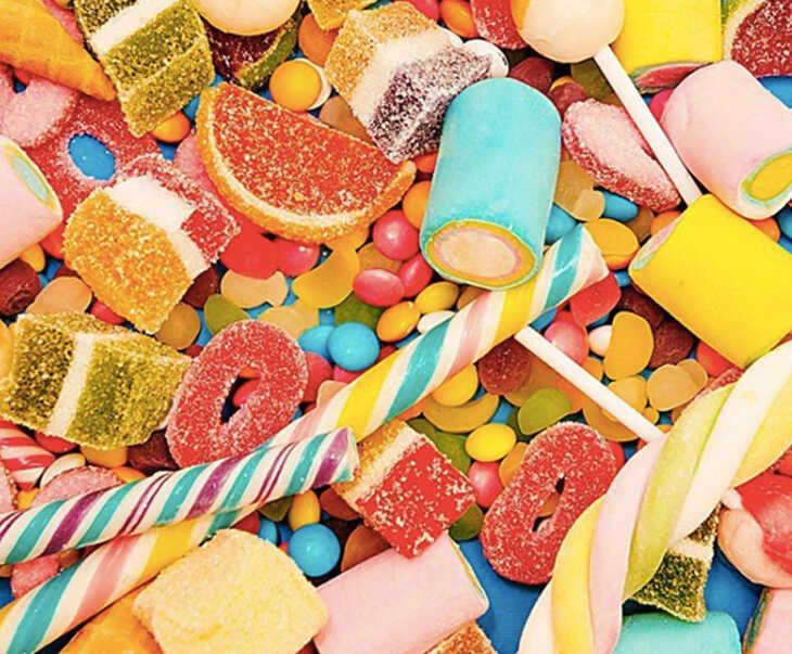 Đồ ăn ngọt không tốt cho trẻ bị ngứa da đầu