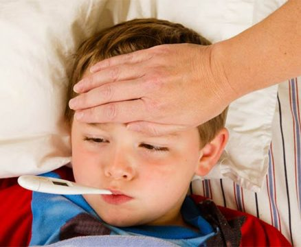 Trẻ bị viêm amidan sốt mấy ngày
