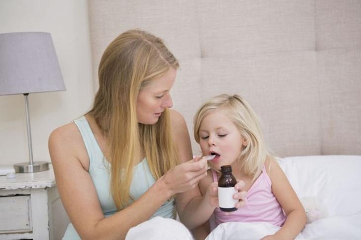 Điều trị Tây y cho trẻ bị viêm amidan quá phát