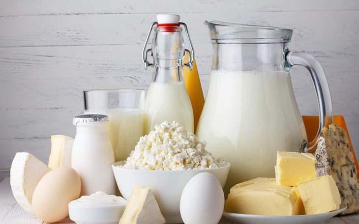 Các chế phẩm từ sữa và sữa tươi là những thứ trẻ không nên ăn