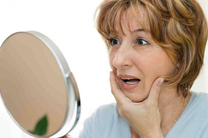 Triệu chứng tiền mãn kinh có thể dẫn đến các vấn đề về da