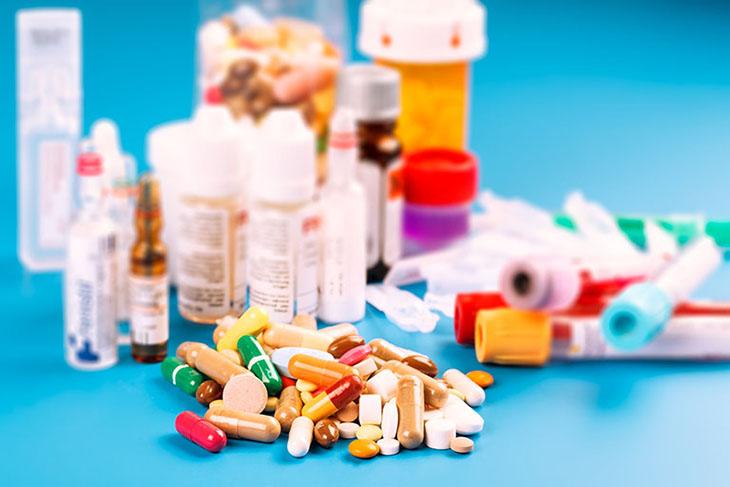 Uống thuốc Tây y điều trị viêm amidan hốc mủ hiệu quả