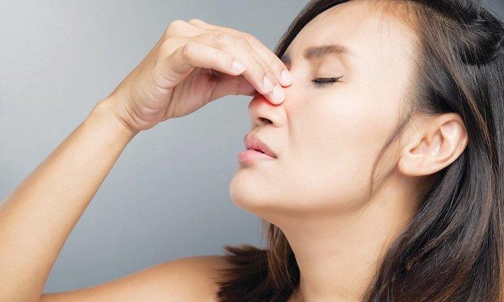 Viêm mũi xuất tiết là gì, nguy hiểm không?