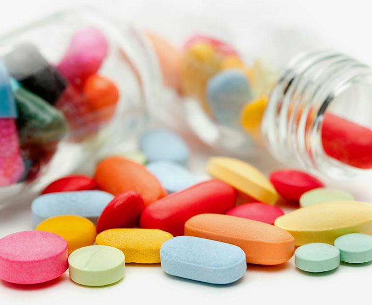 Dùng thuốc tây để điều trị bệnh cho thấy hiệu quả nhanh chóng
