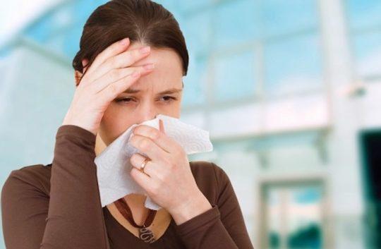 Có nhiều nguyên nhân gây viêm xoang như bệnh lý hay môi trường