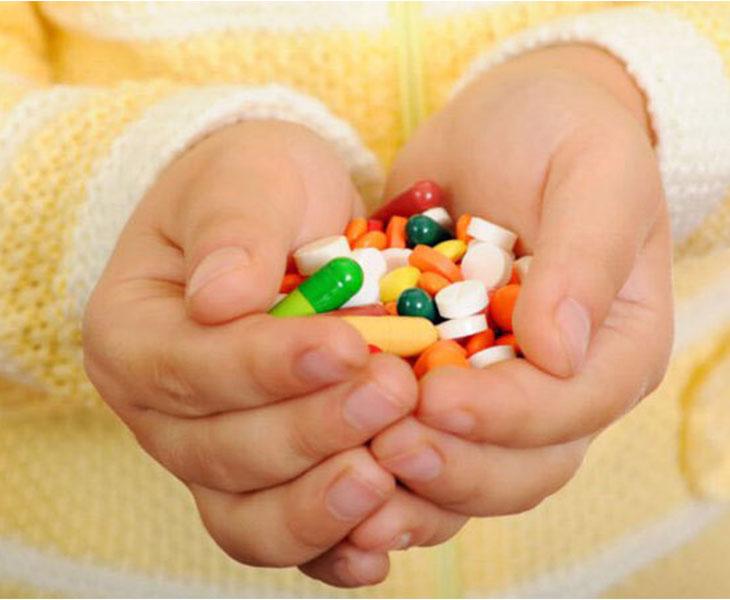 Thuốc Tây y được nhiều người lựa chọn nhờ ưu điểm tác dụng nhanh, hiệu quả