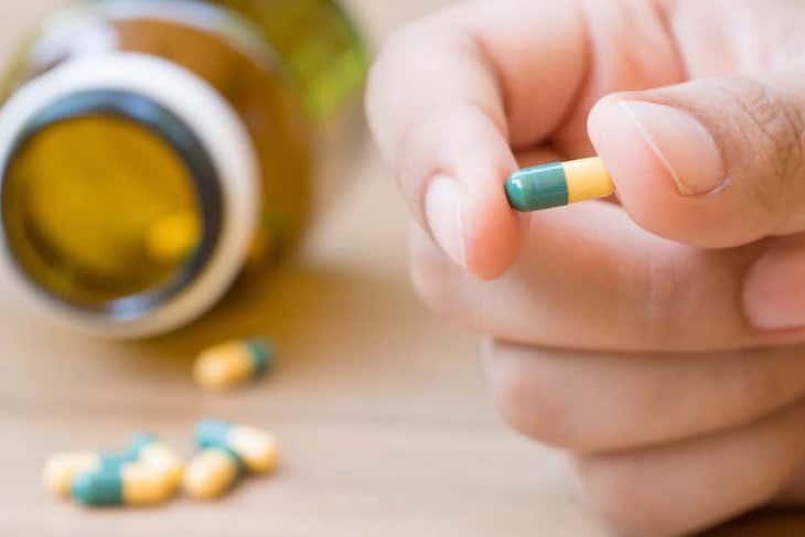 Dùng thuốc Tây y điều trị bệnh