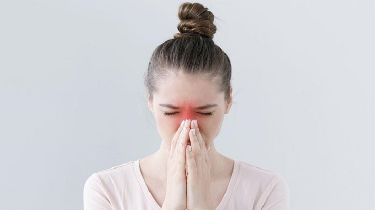 Viêm xoang và viêm xoang mũi dị ứng có những nguyên nhân, triệu chứng đặc trưng riêng