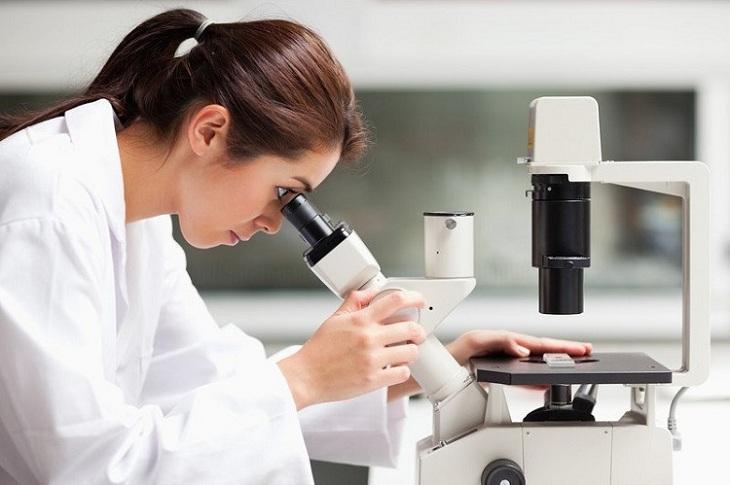Xét nghiệm soi tươi dịch âm đạo giúp chẩn đoán bệnh lý chính xác
