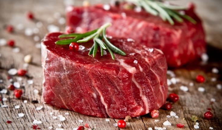 Thịt đỏ là nhóm thực phẩm nam giới bị yếu sinh lý nên bổ sung