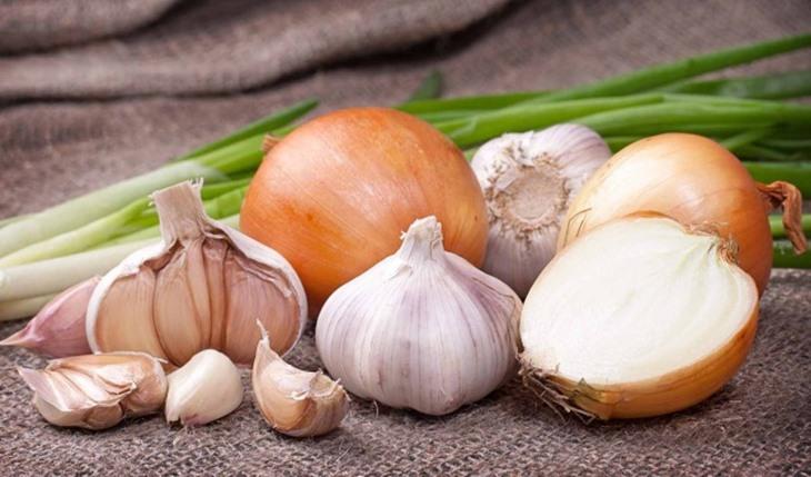 Hành tây và tỏi giúp cải thiện tình trạng yếu sinh lý hiệu quả