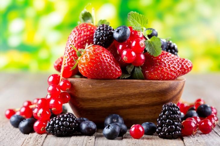 Các loại quả mọng là trả lời cho câu hỏi bị yếu sinh lý nên ăn gì
