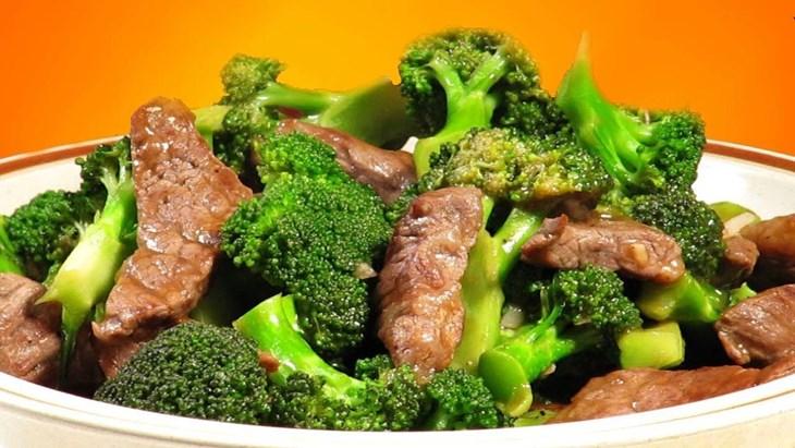 Yếu sinh lý nên ăn gì? Bông cải xanh xào thịt bò là món ăn không nên bỏ qua