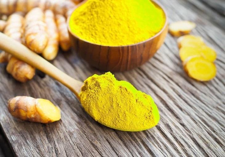 Bột nghệ vàng có nhiều công dụng tốt trong điều trị trào ngược dạ dày