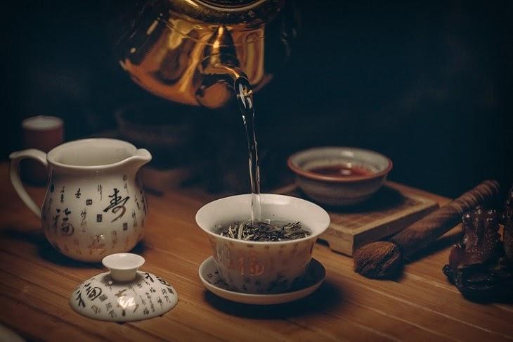 Cách làm mờ vết rạn da lâu năm đơn giản tại nhà chỉ bằng 2 muỗng bột trà đen