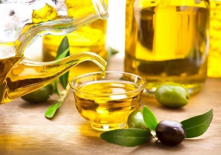 Thường xuyên sử dụng dầu ô liu giúp trị rạn da lâu năm hiệu quả