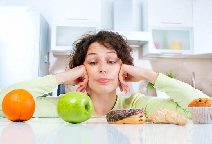 Ăn gì không nên ăn gì để hết thâm mụn?