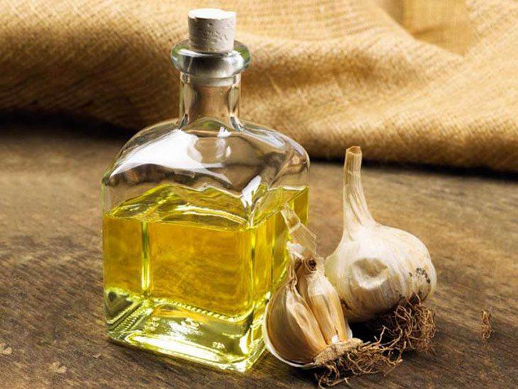 Ăn gì để giảm khí hư? Tỏi và tinh dầu tỏi tốt cho bệnh lý về phụ khoa