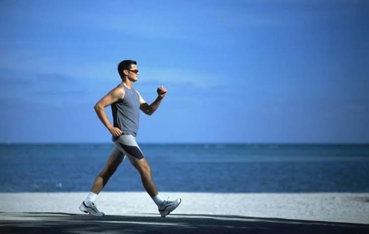 Luyện tập đi bộ cũng giúp trị chứng liệt dương ở nam giới hiệu quả