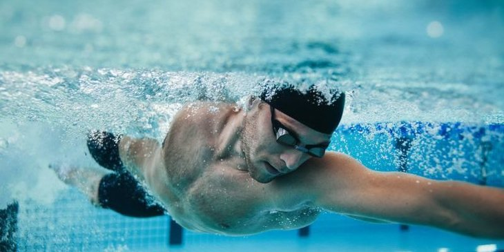 Bơi lội cũng là một trong những bài tập chữa yếu sinh lý hiệu quả