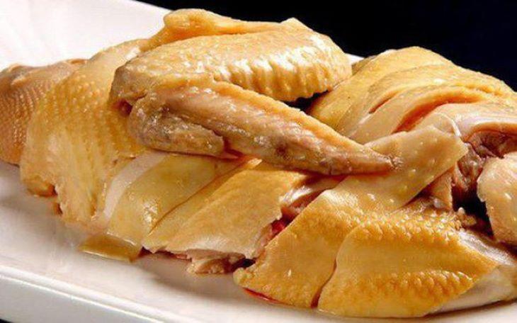 Thịt gà là một trong những thực phẩm đại kỵ của những người mới bắn tàn nhang