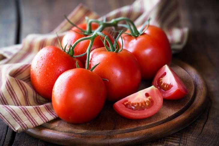 Cà chua được sử dụng như một phương thuốc trị mụn sưng đỏ