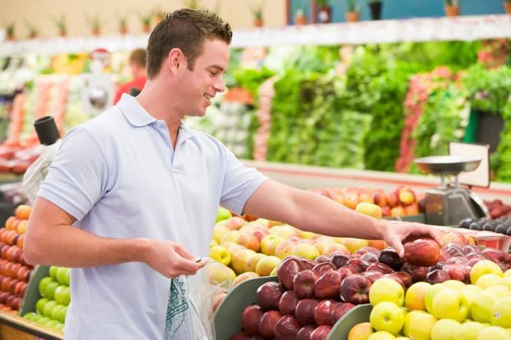 Để cải thiện sức khỏe sinh lý nam, quý ông nên xây dựng chế độ ăn uống lành mạnh hợp lý