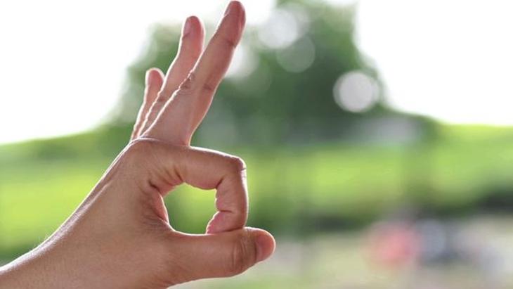 Cách làm tình bằng tay với ký hiệu OK đảm bảo sẽ khiến chàng sướng tê